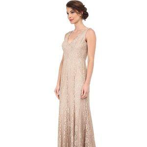 🆕 Eliza J Sleeveless V-Neck Lace Gown